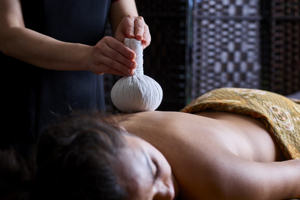 Thai Herbal Poultice Back Massage at SenSpa