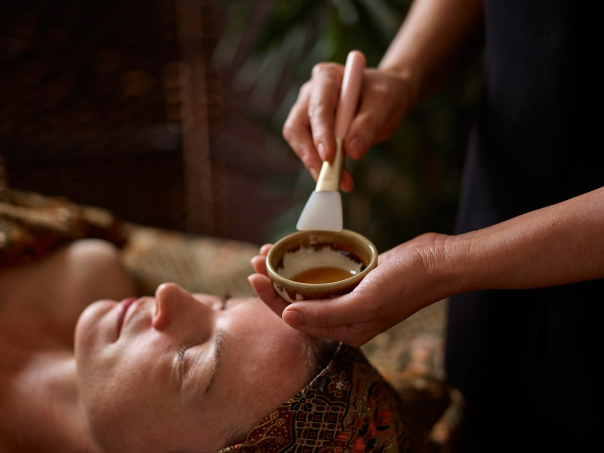 Soothe and refresh your skin with a quick spa facial treatment and immediately feel the positive effects.
