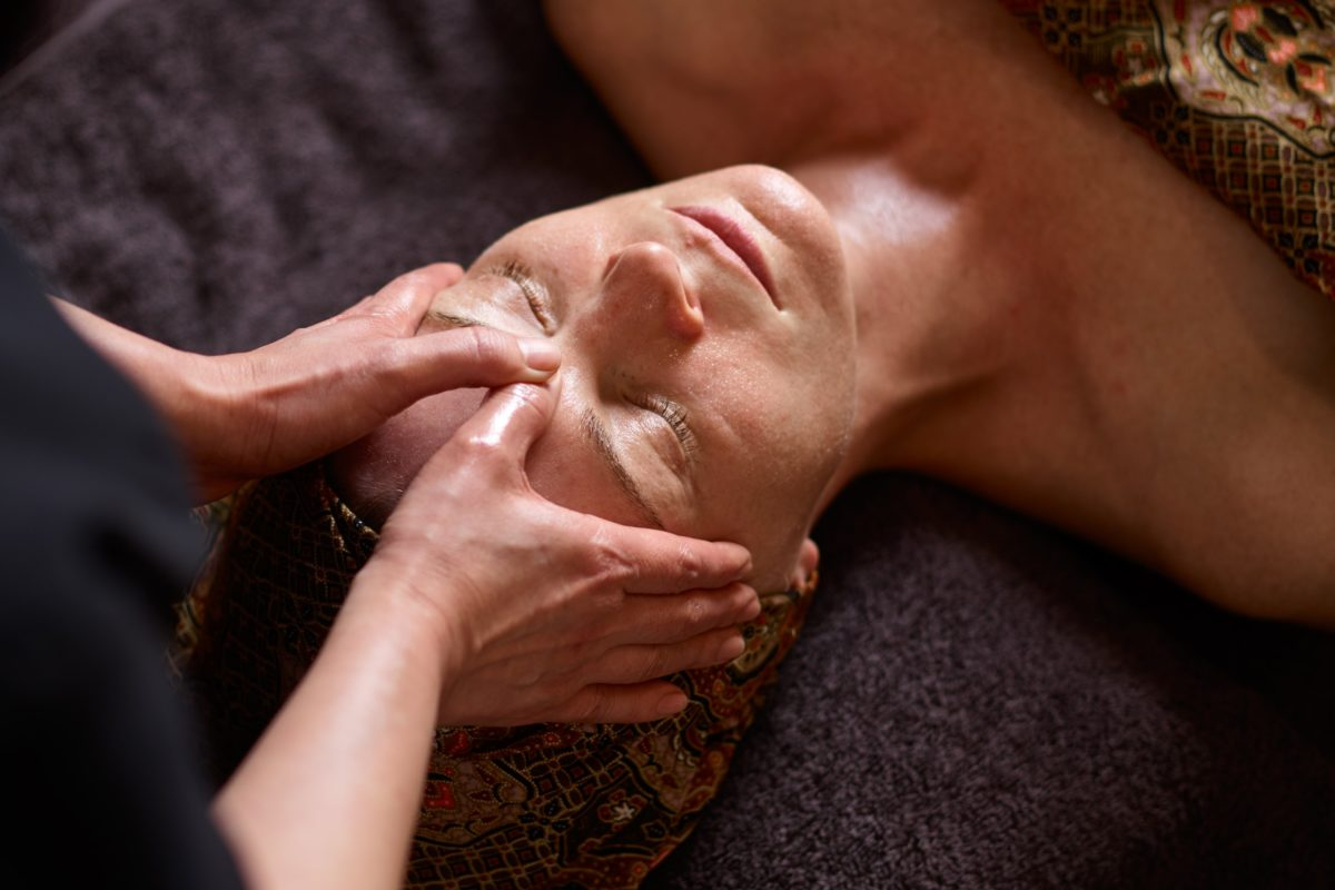 Willow Organic Lift & Tone Facial at SenSpa.