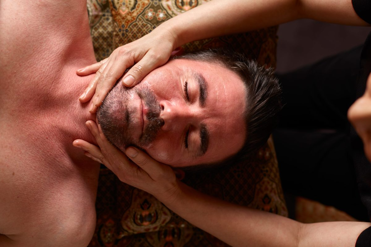 Men's Essential Facial will leave your skin feeling purified, hydrated and refreshed.