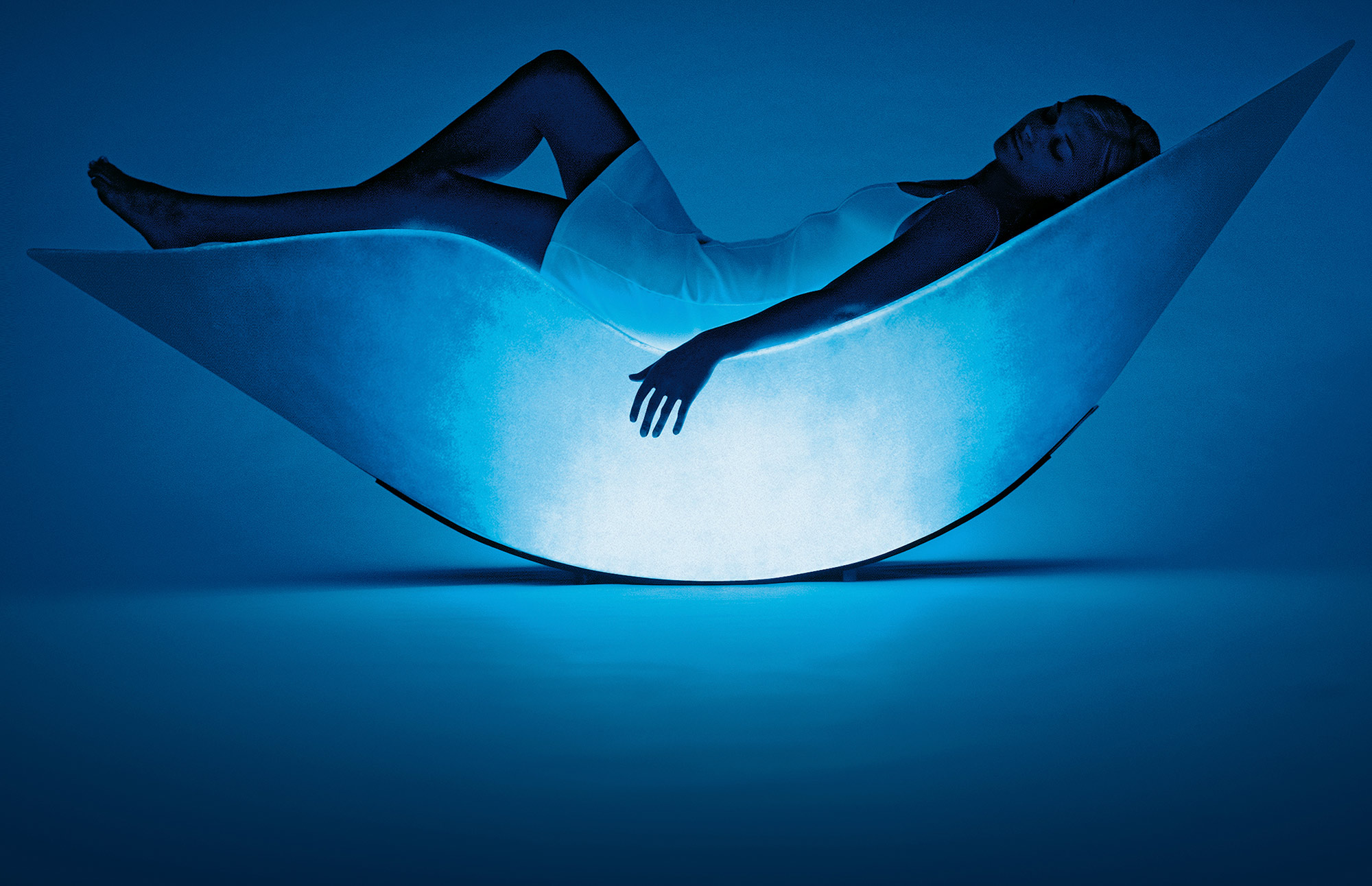 Woman lying in the Alphasphere pod